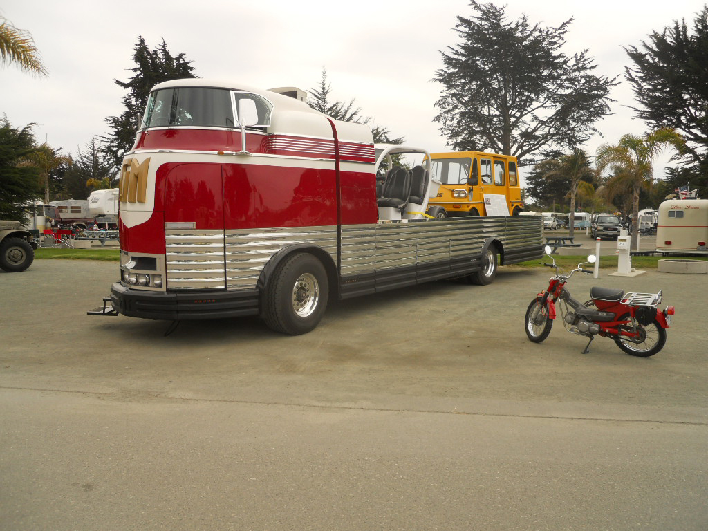 GM Futurliner Pictures and History, from OldTrailer com
