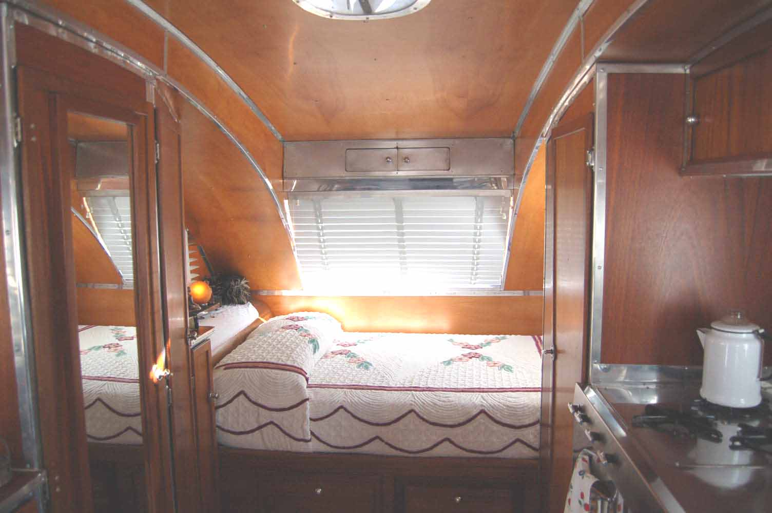 Vintage Trailer Interiors From the 1940's, from OldTrailer com