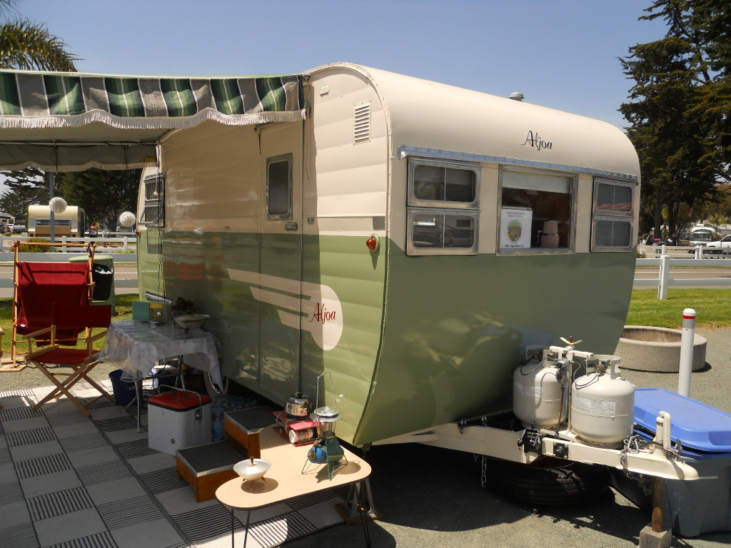 F B Bffadc Ffa A Fa F as well D E Ce D D C Dabb in addition C Fc A Ab A C E further Ffab D E C Faef B Bd furthermore Aljoa Sportsman. on 1956 shasta camper vintage travel trailer