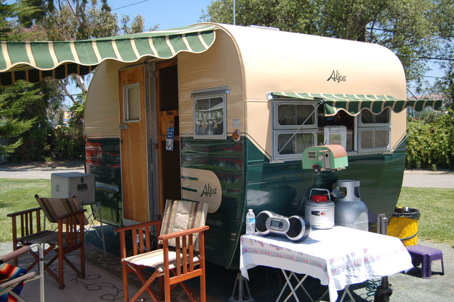 Vintage Aljoa Trailer Pictures and History, from OldTrailer com