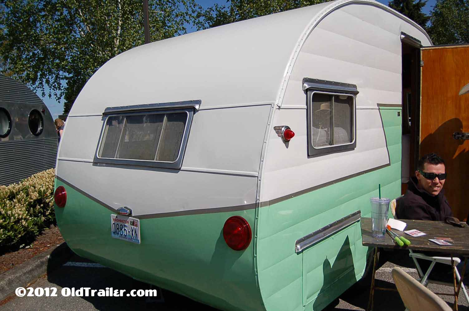 Vintage Shasta Trailer Pictures and history, from OldTrailer com
