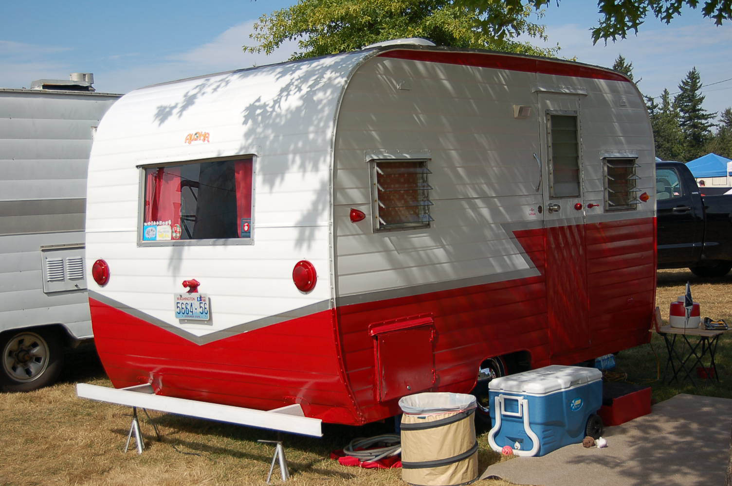 Beautifully Restored 1962 Aloha 15 Vintage Travel Trailer Painted In Classic Red And White Color