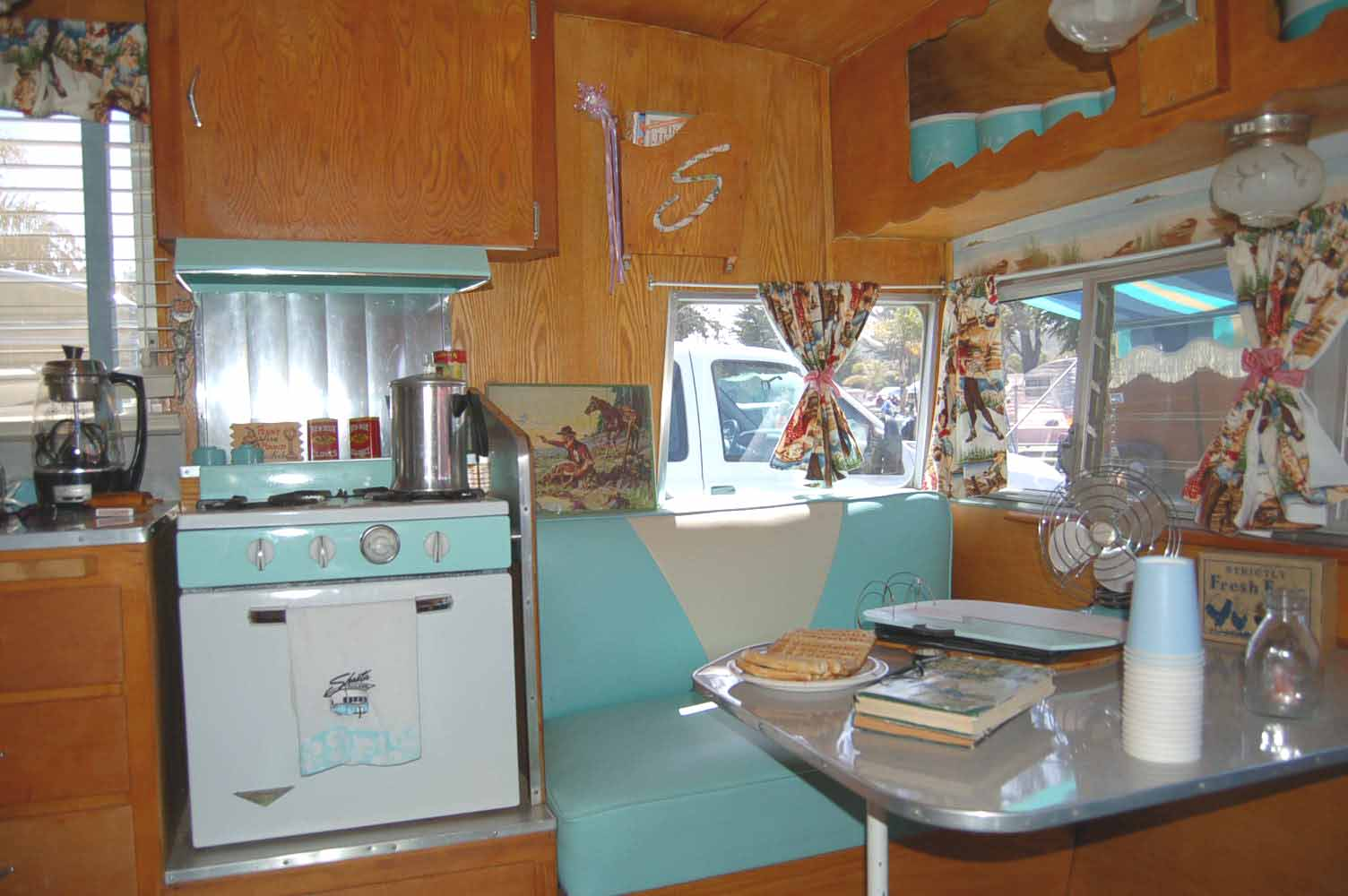 Vintage Shasta Trailer Interiors From OldTrailercom