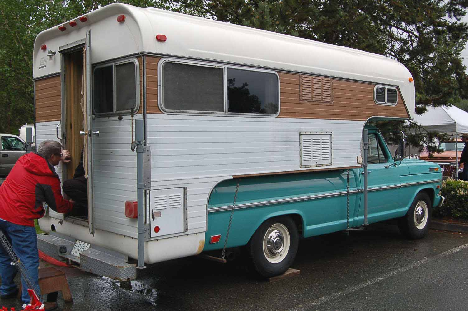 Oldtrailer Images 1968 Ford Truck Chinook Camper 103